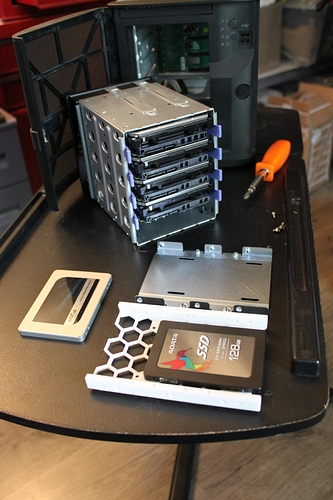 hard-drives%20ssds%20trays